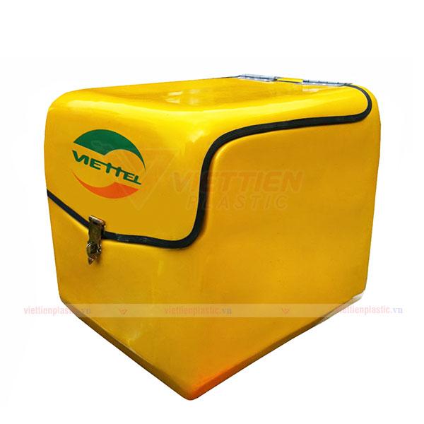 Thùng chở hàng sau xe máy màu vàng
